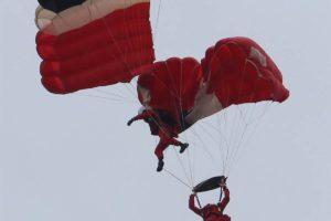 150620-world-red-devils-parachute-drama-7a_5a0ec07a4ece3f231c332ada63d3dc7f.nbcnews-fp-1200-800